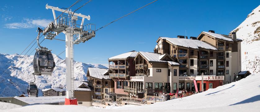 france_three-valleys-ski-area_val-thorens_hotel-and-residence-hameau-de-kashmir_exterior.jpg